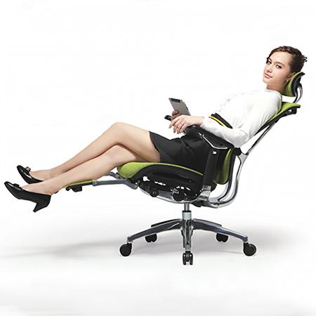 Back Tilt Synchro Mechanism With 4 Lock Positions Or Free Rocking Mode Detachable Headrest Directional Armrests Integrated Leg Rest